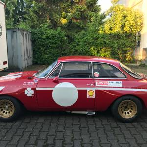 Alfa GTA Junior restoration